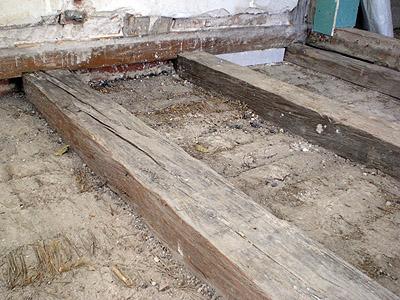 Extrem Fußbodenheizung in einer Holzbalkendecke WB53